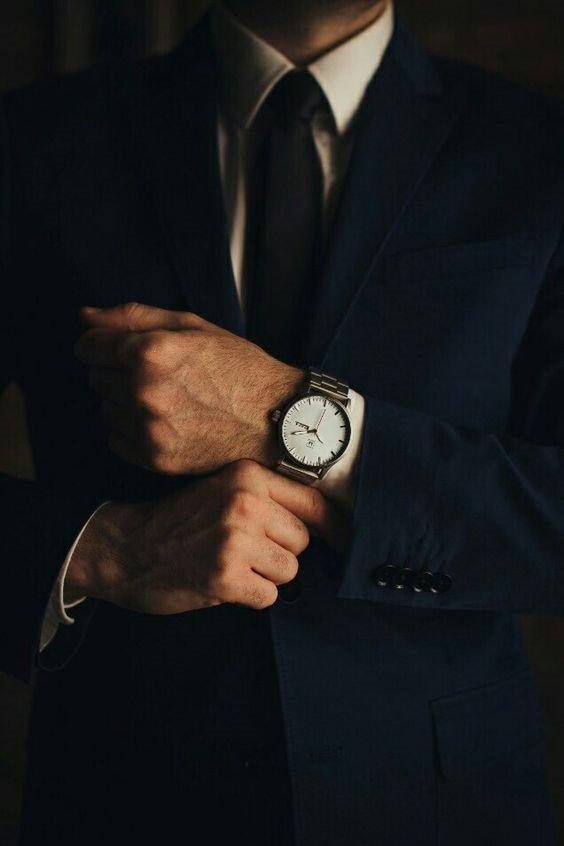 """3 quy tắc """"bất di bất dịch"""" cho các quý ông khi mix đồ với đồng hồ 2"""