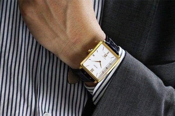 đồng hồ điện tử hay đồng hồ cơ