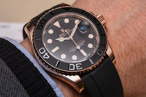 vật liệu của đồng hồ cao cấp