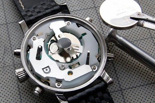 cấu tạo đồng hồ quartz