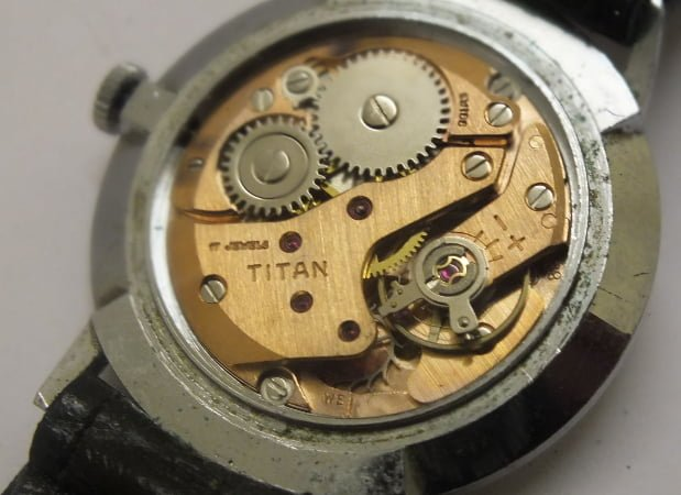 bộ máy đồng hồ titan