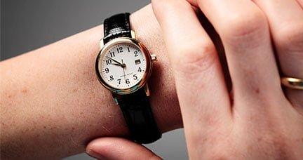 bảo trì đồng hồ