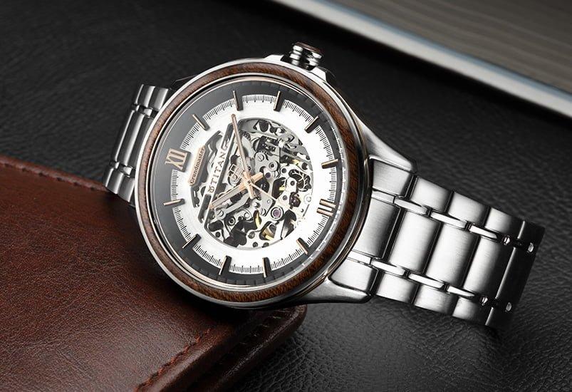 Đồng hồ Titan toàn cầu