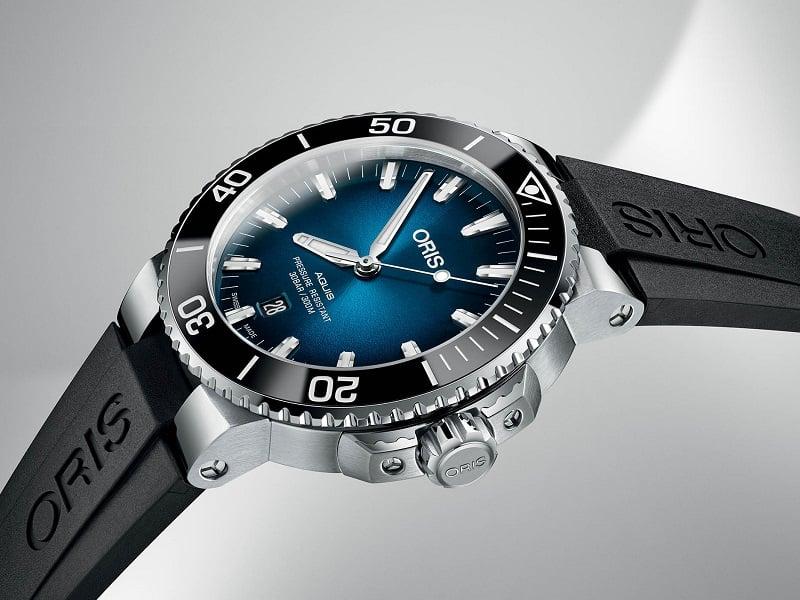 Đồng hồ Oris Aquis Date